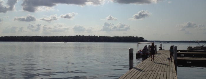 Swift Creek Reservoir Pier is one of Lugares favoritos de Richard.