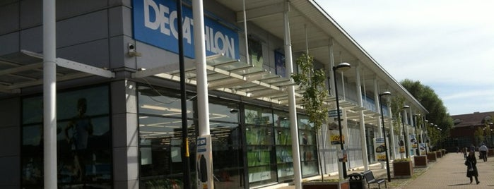 Decathlon is one of Locais curtidos por Anastasia.