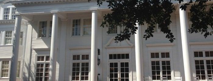 The Willcox Hotel is one of Posti che sono piaciuti a Caroline.