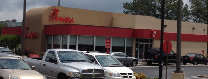 Chick-fil-A is one of Lugares favoritos de Latonia.