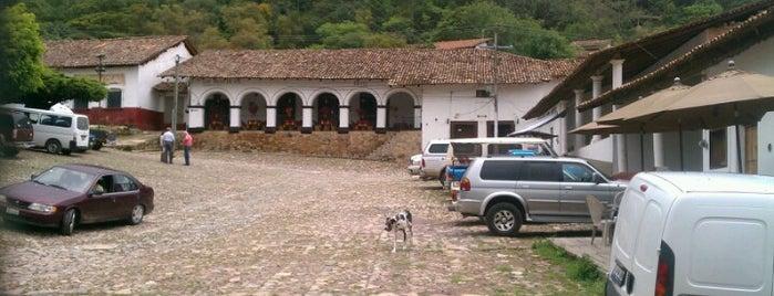 Los Arcos de Sol is one of Regresar.