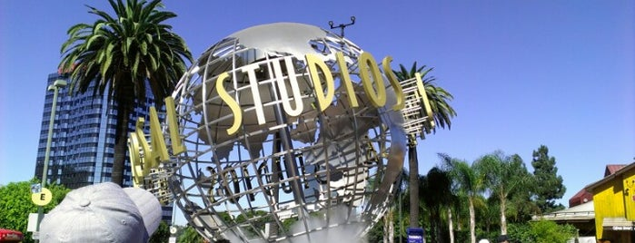 Universal Studios Hollywood Globe and Fountain is one of Going Back To Cali...Again.