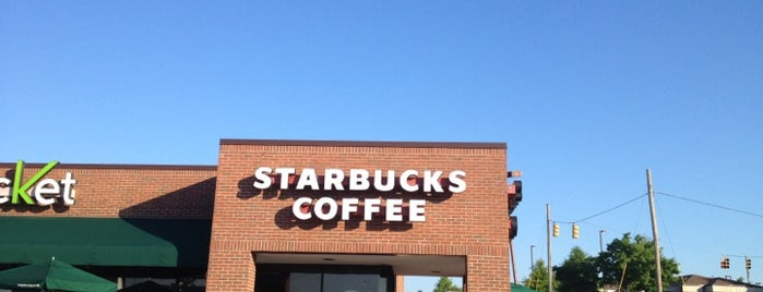 Starbucks is one of Lisaさんのお気に入りスポット.