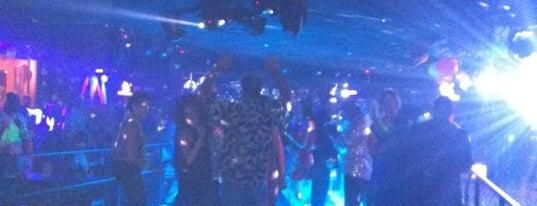 Boogie Nights is one of Lugares guardados de Ayana.