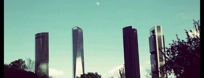 Parque Norte is one of Los mejores lugares para hacer deporte en Madrid.