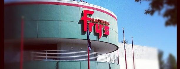 Fry's Electronics is one of Orte, die Alberto J S gefallen.