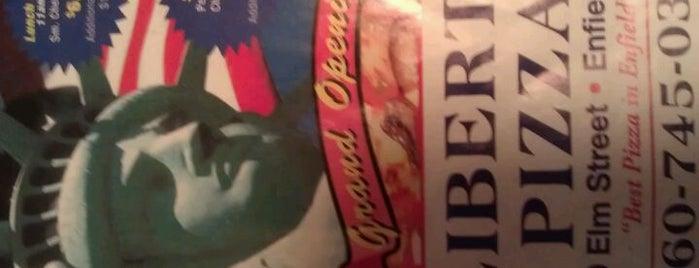 Liberty Pizza is one of Lindsaye'nin Beğendiği Mekanlar.