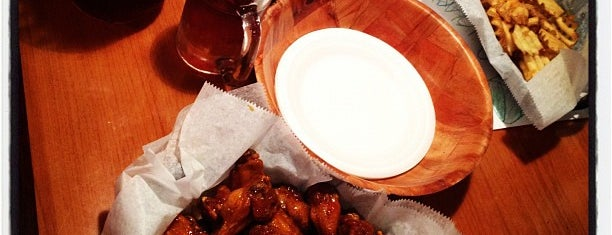 Jersey's Wings & Raw Bar is one of Fave SoFlo Spots.