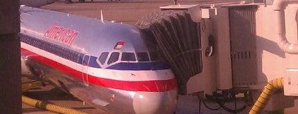 Aeropuerto Internacional de Dallas Fort Worth (DFW) is one of The Crowe Footsteps.