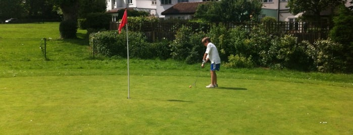 Palewell Pitch & Putt is one of 1000 Things To Do In London (pt 2).