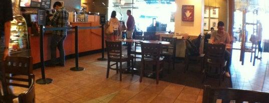 Starbucks Coffee is one of Orte, die Kenn R gefallen.