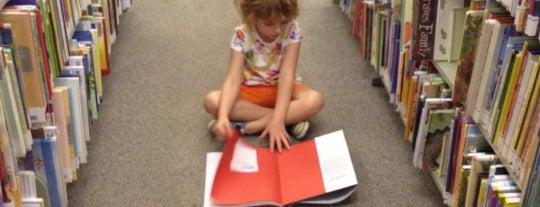 St. Louis Public Library - Machacek Branch is one of Bethany 님이 저장한 장소.