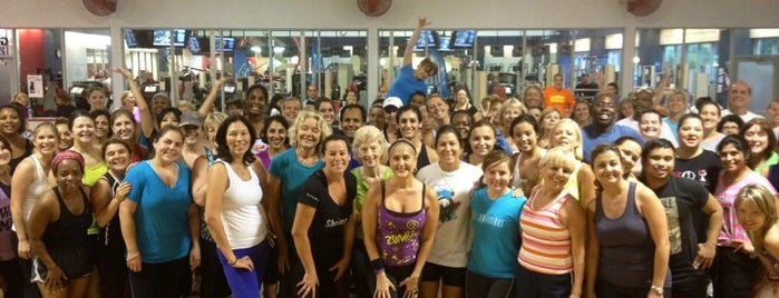 Gainesville Health & Fitness is one of Lugares favoritos de Elle.