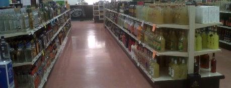 Asheville ABC Liquor Store #9 is one of Drexler 님이 좋아한 장소.