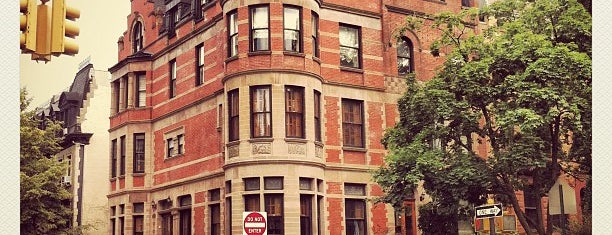 The Royal Tenenbaums House is one of New York, New York!.