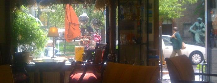 Bonne Vie Café is one of Locais curtidos por Doug.