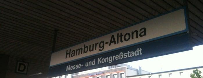 Bahnhof Hamburg-Altona is one of StorefrontSticker #4sqCities: Hamburg.