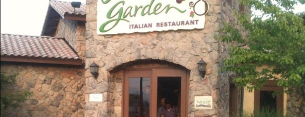 Olive Garden is one of Stephenさんのお気に入りスポット.