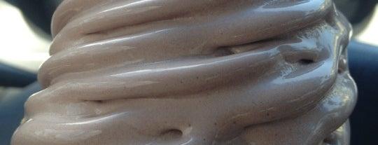 Rita's Italian Ice & Frozen Custard is one of Locais curtidos por Sara Grace.