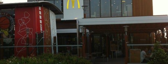 McDonald's is one of HoMangiatoQui.