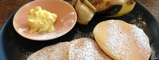 Jiyugaoka BAKE SHOP is one of おいしいパンケーキ&ホットケーキ屋さん.