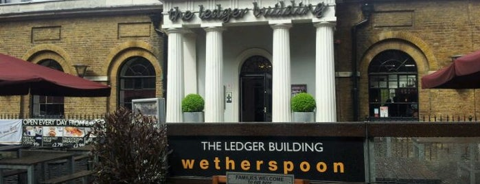 The Ledger Building (Wetherspoon) is one of Carlさんのお気に入りスポット.
