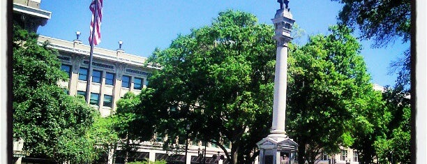 Hemming Park is one of Clarkさんのお気に入りスポット.