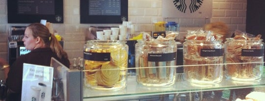 Starbucks is one of Posti che sono piaciuti a Sytse.