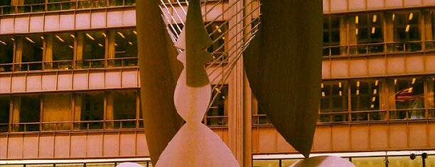 Daley Plaza Picasso is one of Leadership Institute: Chicago.