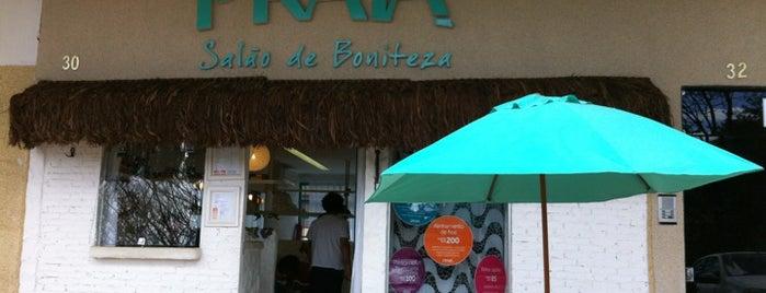 Praia - Salão de Boniteza is one of สถานที่ที่ Denise ถูกใจ.