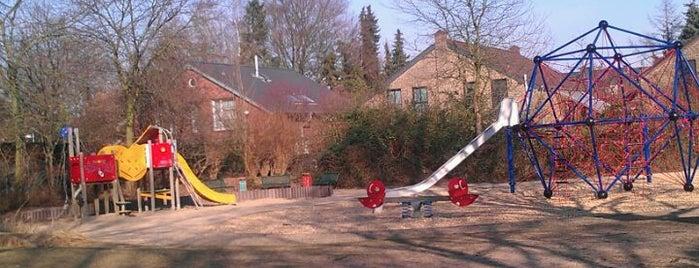 Spielplatz am Pfarrgarten is one of Locais curtidos por Carlos Alberto.