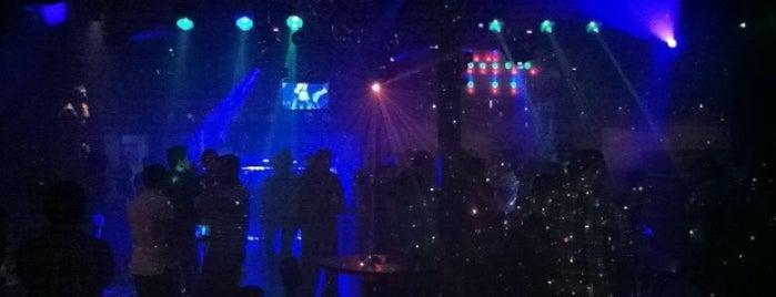 Crystal Nite Club is one of สถานที่ที่ Miguel ถูกใจ.