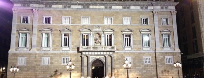 Plaça de Sant Jaume is one of 101 llocs a veure a Barcelona abans de morir.