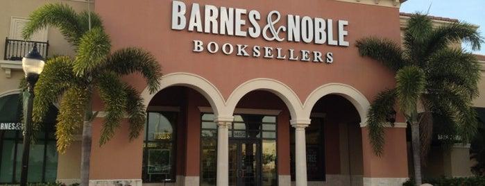 Barnes & Noble is one of Lieux sauvegardés par Carl.