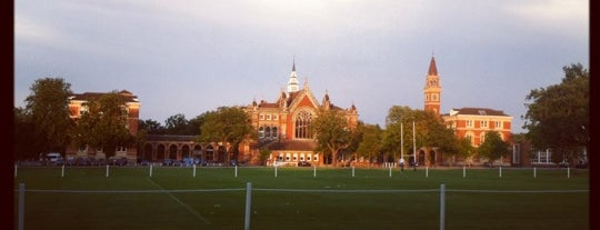 Dulwich College is one of Lieux qui ont plu à Barry.