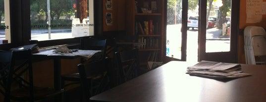 Paddy's Coffee House is one of Locais salvos de Jamie.