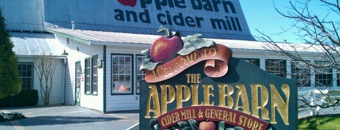 Apple Barn & Cider Mill is one of Lieux qui ont plu à Colin.