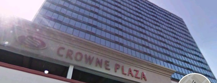 Crowne Plaza Denver is one of denver nothing2.