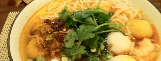 Noodle Asia is one of Lugares favoritos de Al.