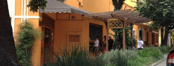 Casal Garcia Restaurante is one of Tempat yang Disimpan Marieli.