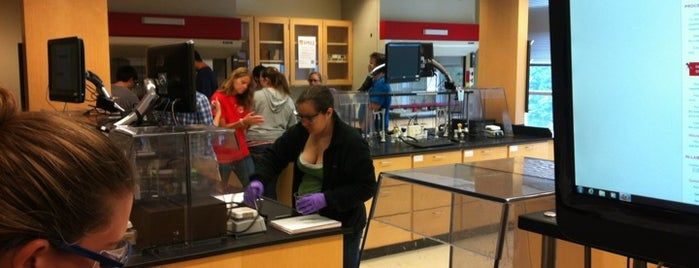 Fox Science Teaching Laboratory is one of Explore NCSU.
