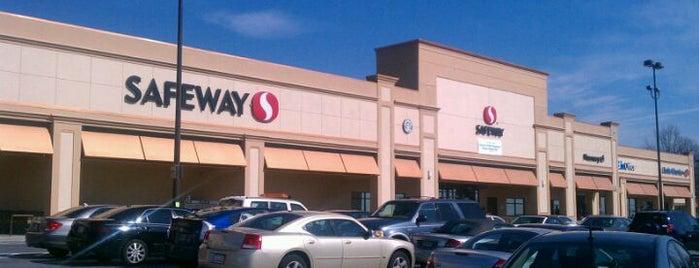 Safeway is one of สถานที่ที่ Bart ถูกใจ.