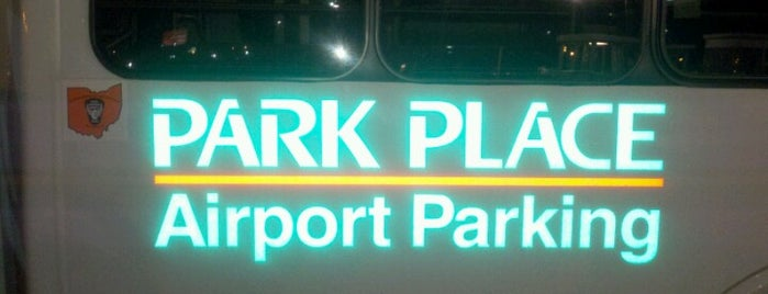 Park Place Airport Parking is one of Alyssaさんのお気に入りスポット.