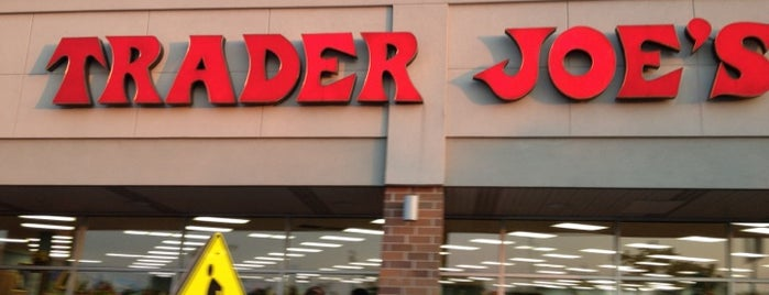 Trader Joe's is one of Tempat yang Disukai Mark.