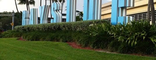 Bayside Marina is one of Miami 2014.