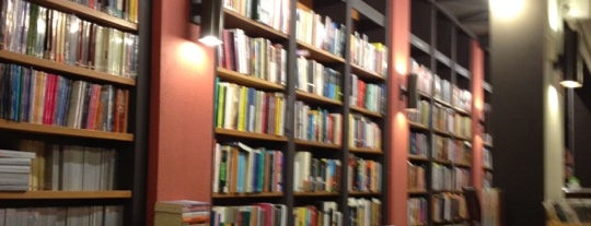 Livraria da Vila is one of Cafés, Doces e Padocas.