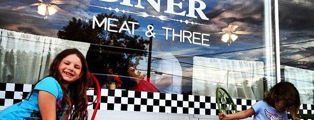 Nana's Diner is one of Tempat yang Disukai Lisa.