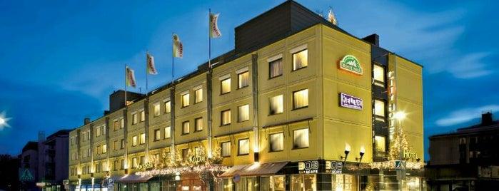Arctic City Hotel is one of Lugares favoritos de Artemy.