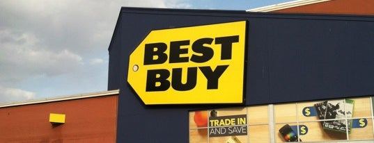 Best Buy is one of Locais curtidos por Marcelo.