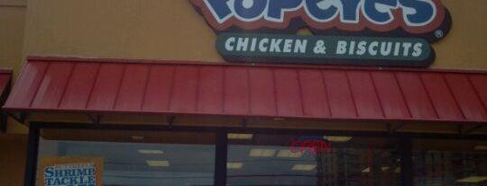 Popeyes Louisiana Kitchen is one of Lugares favoritos de Mark.